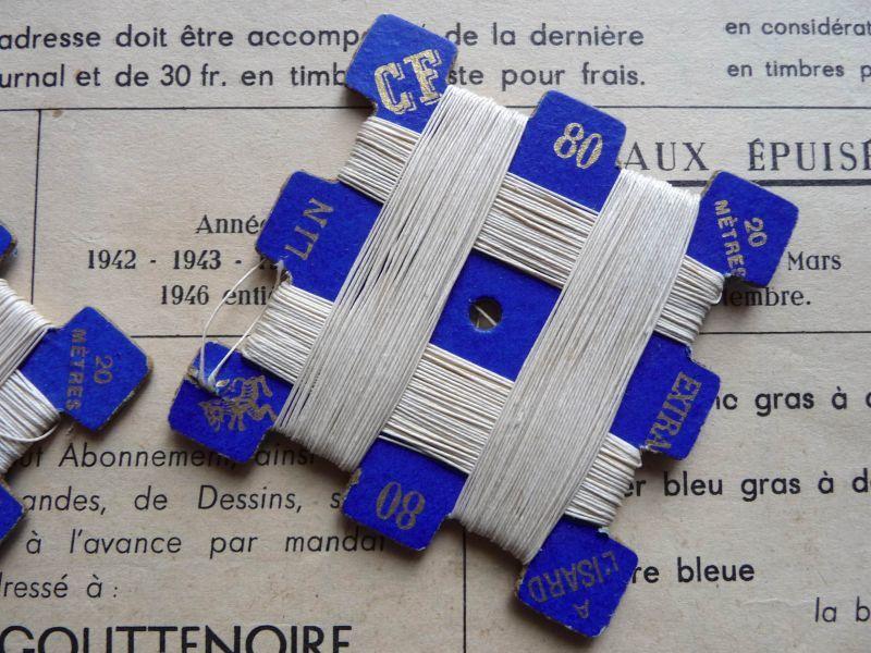 画像1: フランス製 麻の糸巻き コバルトブルーの台紙