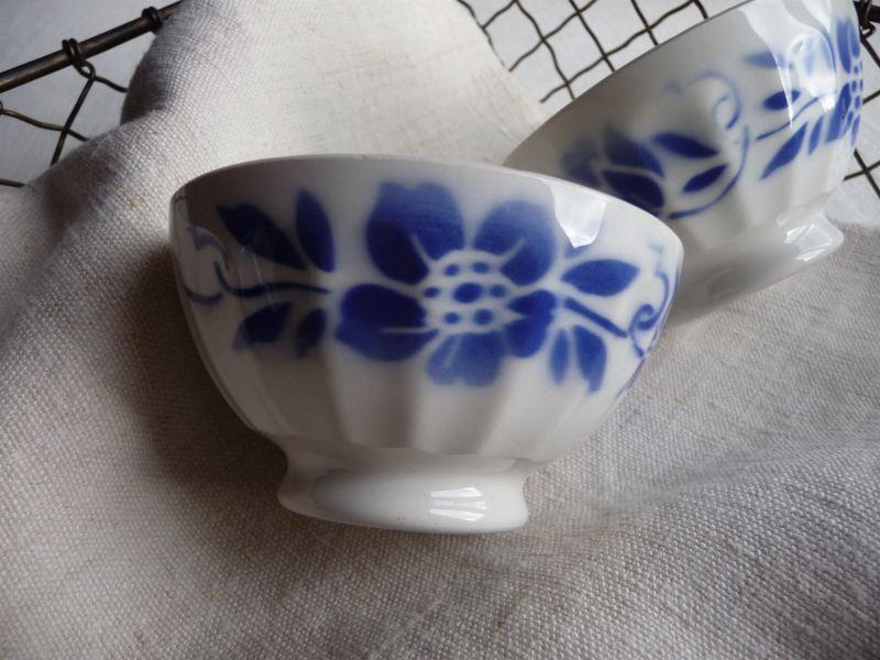 画像1: カフェオレボウル 青い花のステンシル A